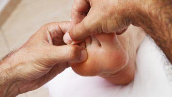naražený prst